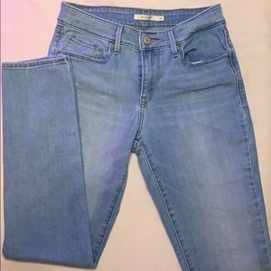Levi Strauss & Co. size 6 Mid Rise Skinny Jean